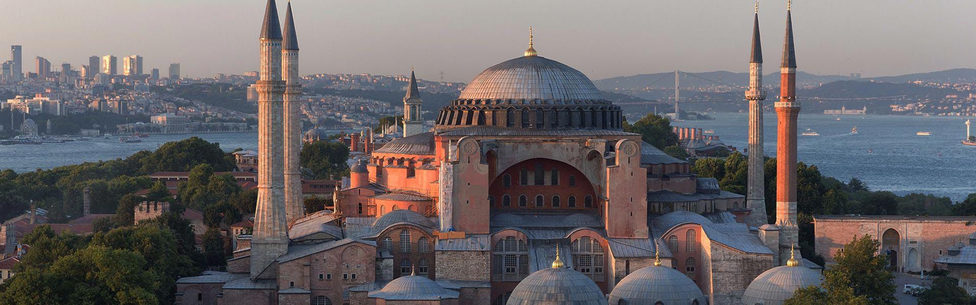"""8 μέρες / 7 νύκτες """"Εκλεκτό Αιγαίο"""" Κωνσταντινούπολη-Τσανάκκαλε & Τροία, Θεσσαλονίκη-Βόλος-Σαντορίνη 2021 & 2022 12"""