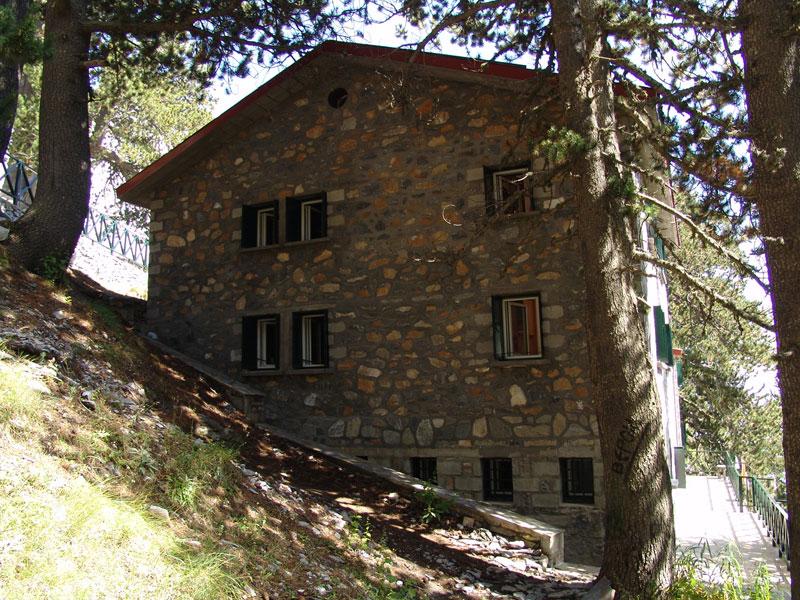 1η ημέρα : Καλαμάτα - Λιτόχωρο – Καταφύγιο «Σπήλιος Αγαπητός» στα 2.100μ.